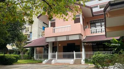 For Rent - Spacious 4-BR House near BTS National Stadium (ID 508858)
