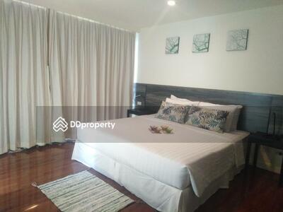 For Rent - Roomy 4-BR Condo at Sathorn Gallery Residence near BTS Surasak (ID 511200)