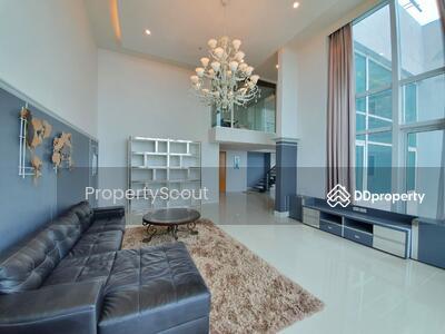 For Rent - Spectacular High Rise 4-BR Condo at Circle Condominium near BTS Nana (ID 515679)