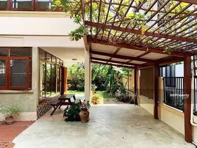 For Rent - Large 2-BR House near BTS Phrom Phong (ID 462371)