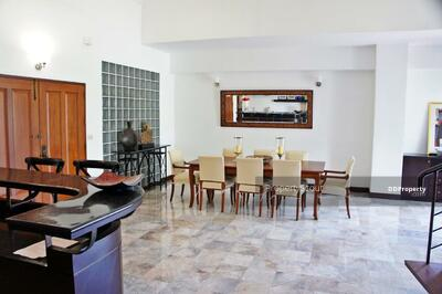 For Rent - Large 4-BR Apt. near BTS Phrom Phong (ID 442901)