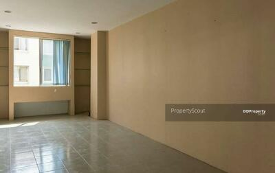 For Sale - Spacious 1-BR Condo at The Parkland Bangna (ID 529683)