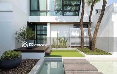 For Sale - Spacious 5-BR House near BTS Ha Yaek Lat Phrao (ID 541999)