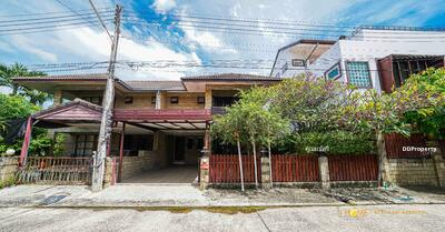 For Rent - AE0249 - A detached house two storey with 2 bedrooms and 2 toilets - A house in 42 sq. wah. Near the city.