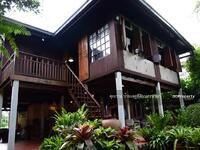 ขาย - ขายบ้านไทยประยุกต์ริมแม่น้ำนครนายก เนื้อที่ 291 ตร. ว. ใจกลางเมือง