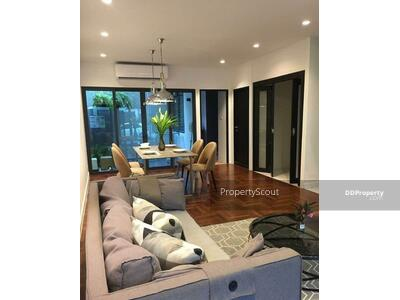 For Rent - Homely 3-BR Townhouse near BTS Phrom Phong (ID 569603)