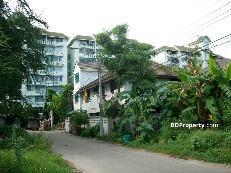 Garden Place #1672559
